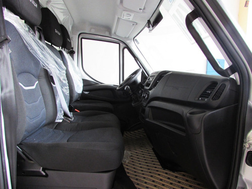 iveco daily 2020 chassi branca
