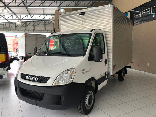 iveco daily 30s13 0km baú chassi carroceria