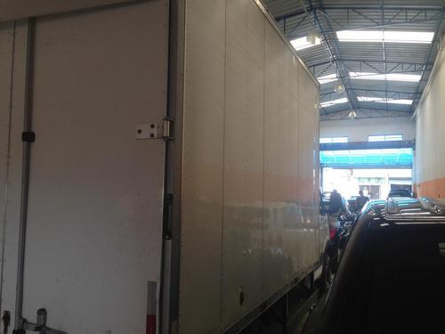 iveco daily 35s14 bau com serviço em grande transportadora