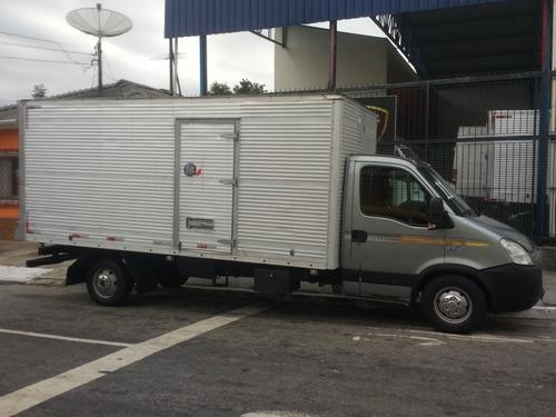 iveco daily 35s14 caminhonete ano 11 bau