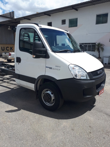 iveco daily 35s14 chassi
