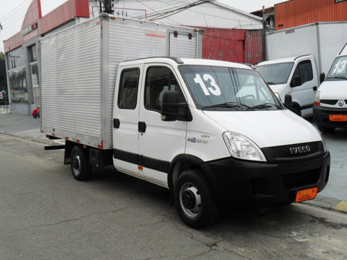 iveco daily 35s14 chassi baú 2013 ** cabine dupla **