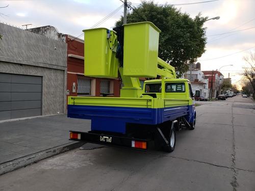 iveco daily 4013 con hidroelevador