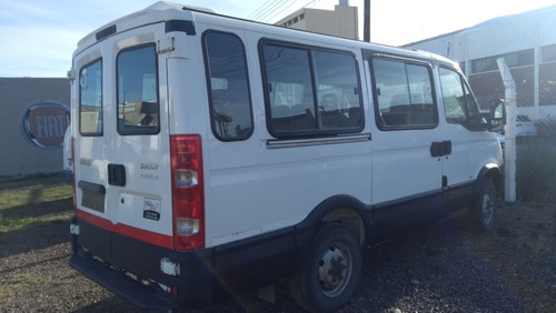 iveco daily  40s  14 paso 3000 2015