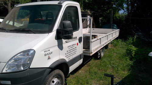 iveco daily 58/18 chasis con caja 6 mts 25000 km