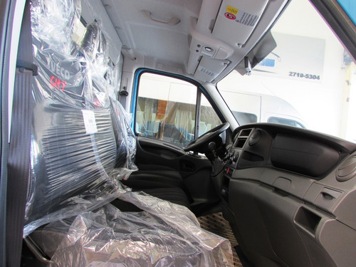 iveco daily chassi city 30s13 carroceria de metal