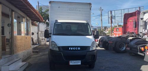 iveco daily   com bau 2012\2013