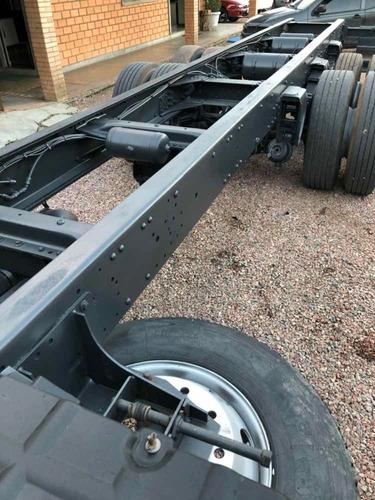 iveco tector  240e25 chassis