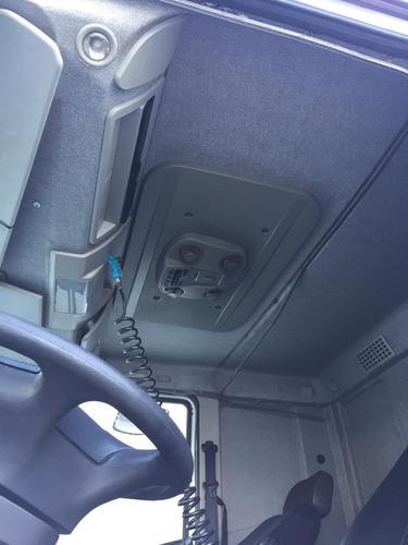 iveco tector 240e28  6x2  2014/2014  teto alto cabine leito