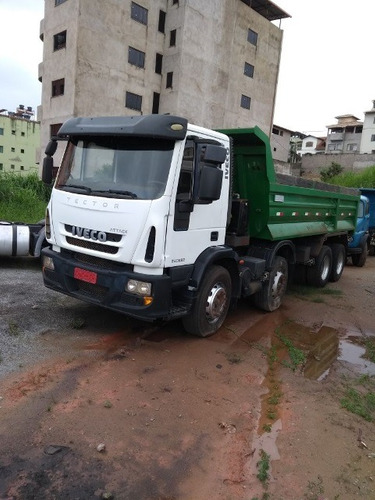 iveco tector attack 240e22 8x2 ano 2012/2013 caçamba