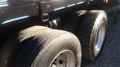 iveco tector caminhões