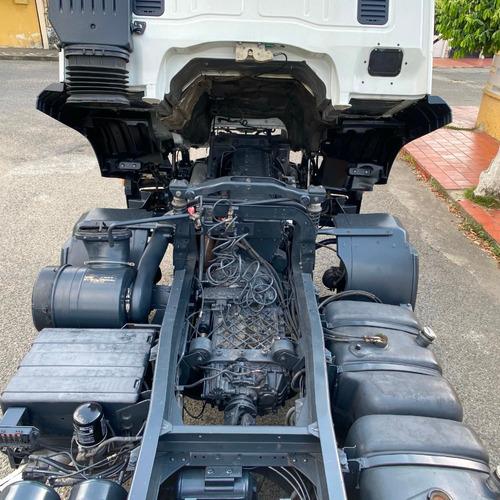 iveco trakker 420 - 2012 - blanco