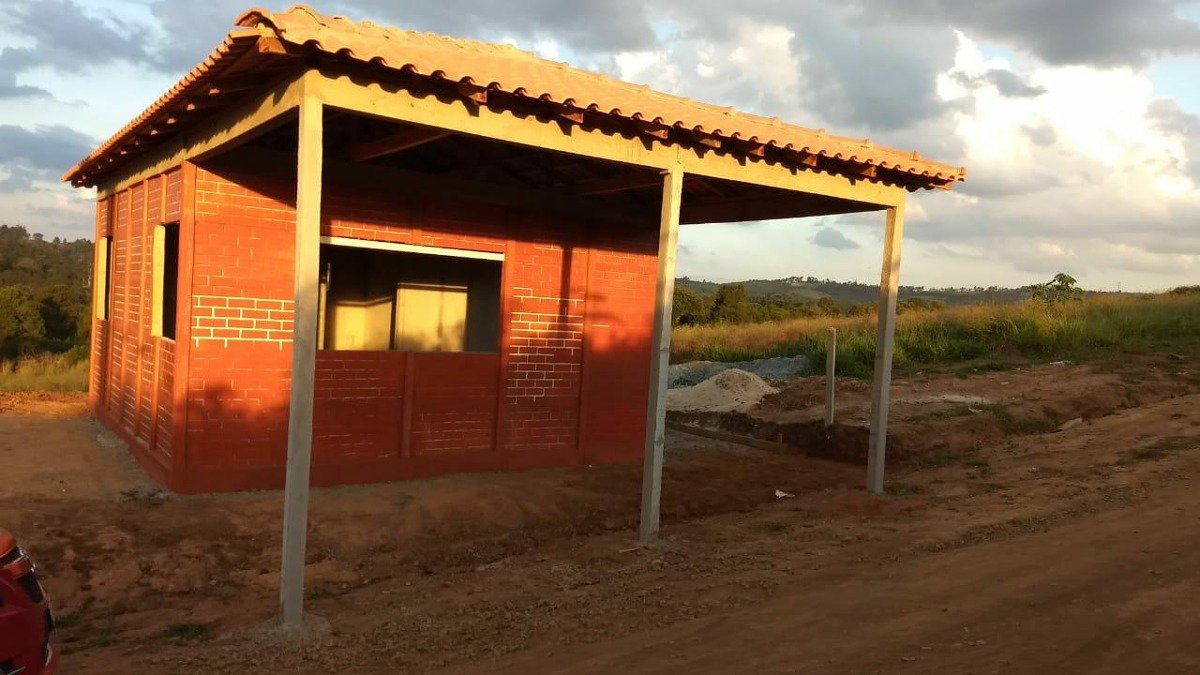 j 1000 m2 limpos para construir sua chacara com agua e luz