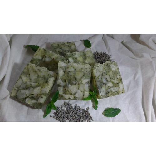 jabon antiseptico-tonificante-refrescante de lavanda-menta