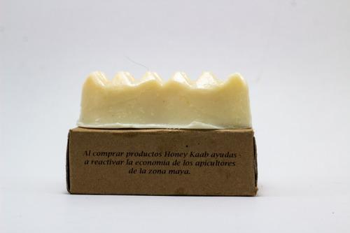 jabón artesanal de manzanilla y miel campeche