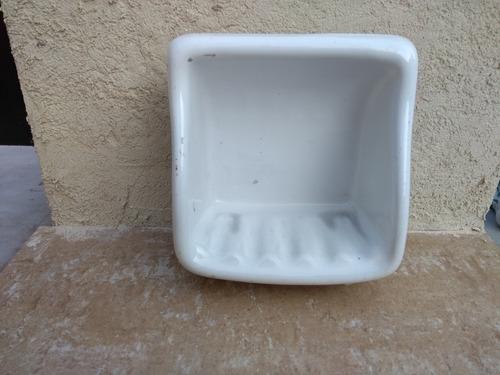 jabonera cerámica blanca