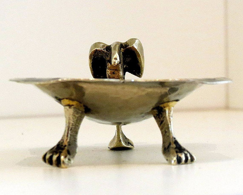 jabonera / despojador de bronce y alpaca. el restaurador