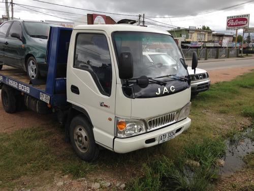 jac 1042  con chata para traslados de autos  al dia de todo