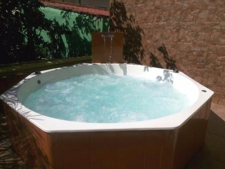 jacuzzi delux poolparty para 8 personas cromoterapia