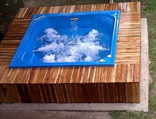 jacuzzis, tinas, piscinas, toboganes
