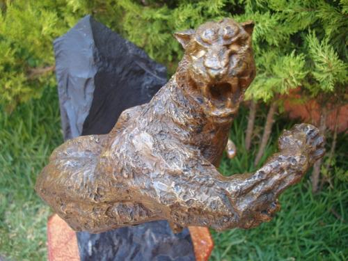 Jaguar hecho de bronce con base m rmol es nico for Objetos hechos con marmol