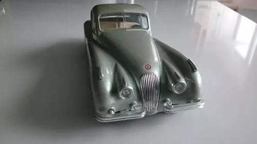 jaguar modelo 1948 carro antiguo escala 1/24 burago italia