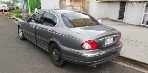 jaguar sedan van van 2004 gris