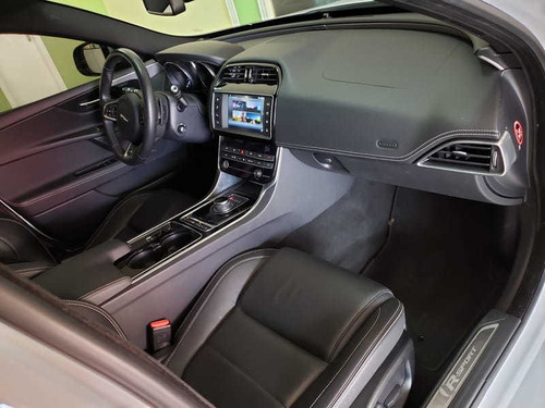 jaguar xe 2.0 turbocharged r-sport 240cv 2017