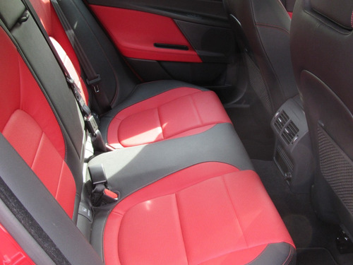 jaguar xe 2016 2.0 r-sport at piel q/c rojo