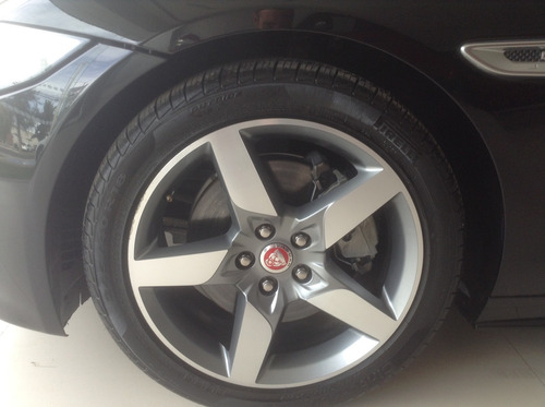 jaguar xe r sport aprovecha precio liquidación