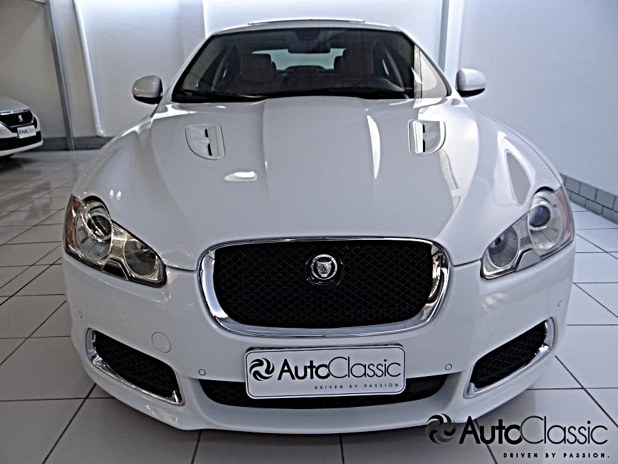 Jaguar Xf R Supercharged 5.0 V8. Carregando Zoom.