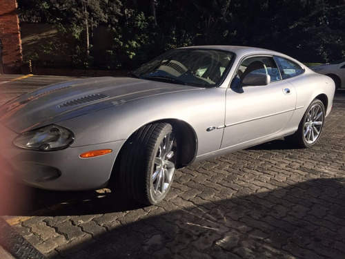 jaguar xk8  4.0 v8 patentado 2011 año 2000 dueño vende gris