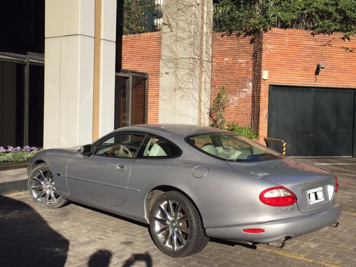 jaguar xr8  4.0 v8 patentado 2011 año 2000 dueño vende gris