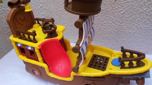 jake barco bucky con sonido grande nuevo mas 3 personajes