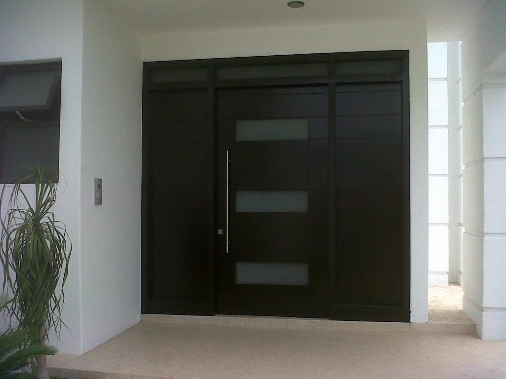 Jaladeras en 150 cm para puerta principal madera cristal for Modelos de puertas principales para casas
