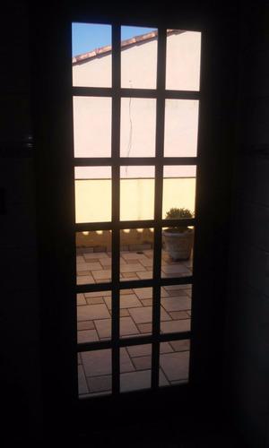 janela de correr imbuia com vidros bronze 1,60 x 1,00