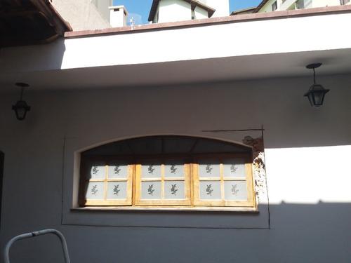 janela de madeira imbuia - basculante - em arco com vidros