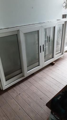 janelas de pvc brancas