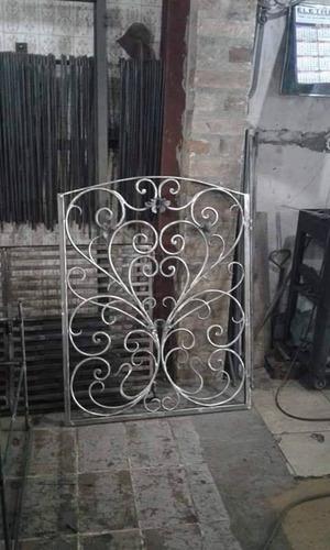 janelas em ferro forjado com técnica italiana
