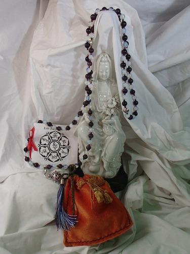 japa mala de amatista, pie. de luna y ornamentación plateada