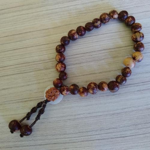 japamala 27 contas feito de semente de açaí rajada ref: 7940