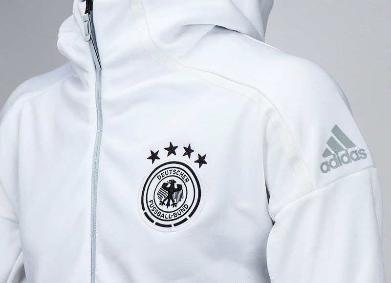 ad805286b9d jaqueta adidas alemanha anthem capuz branca tamanho xg. Carregando zoom.