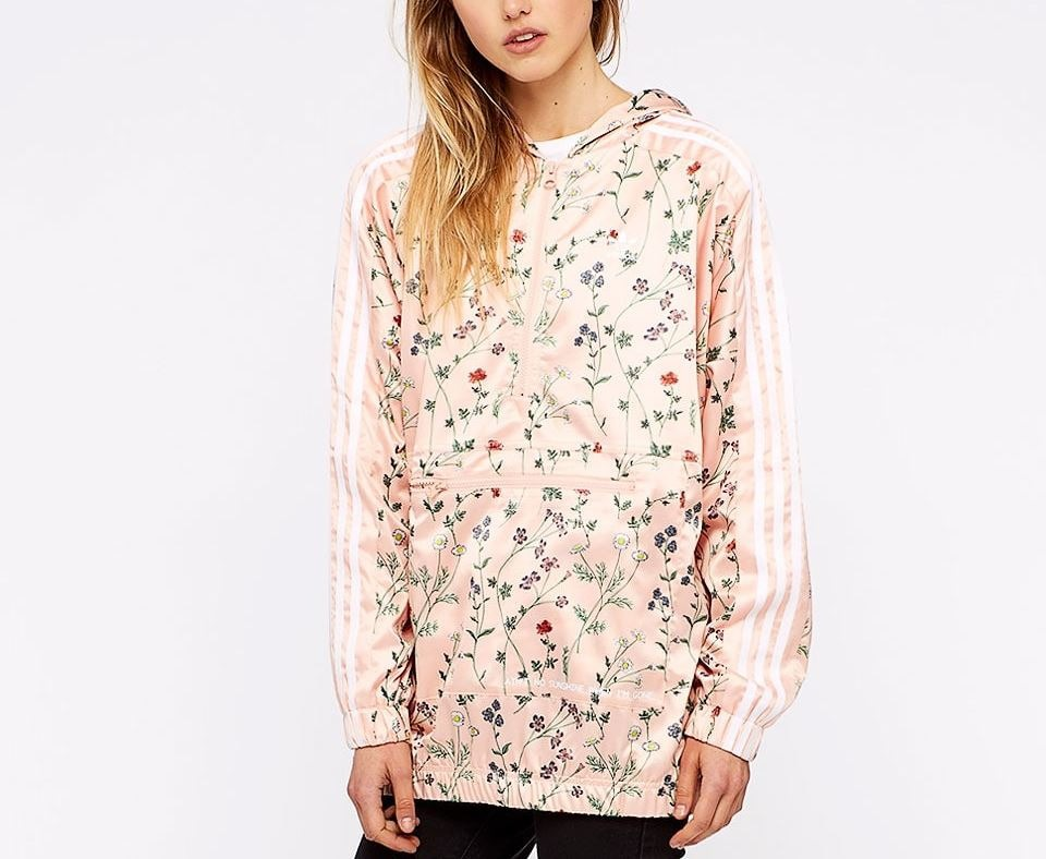 7b3ef3f7ff2 jaqueta adidas wb hooded floral cetim com capuz original. Carregando zoom.