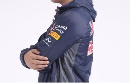 Jaqueta Casaco Infiniti Red Bull Com Capuz Capa Chuva F1 - R  450 7c18f192e1b