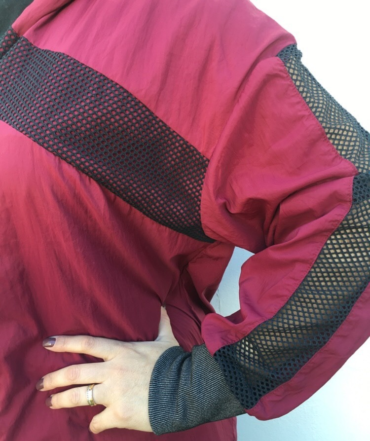 a22796839 jaqueta corta-vento colcci fitness feminina capuz - original. Carregando  zoom.