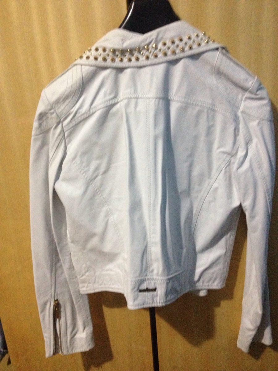 ab2f47f04 jaqueta couro branca spikes dourados perfecto colcci baixou. Carregando zoom .