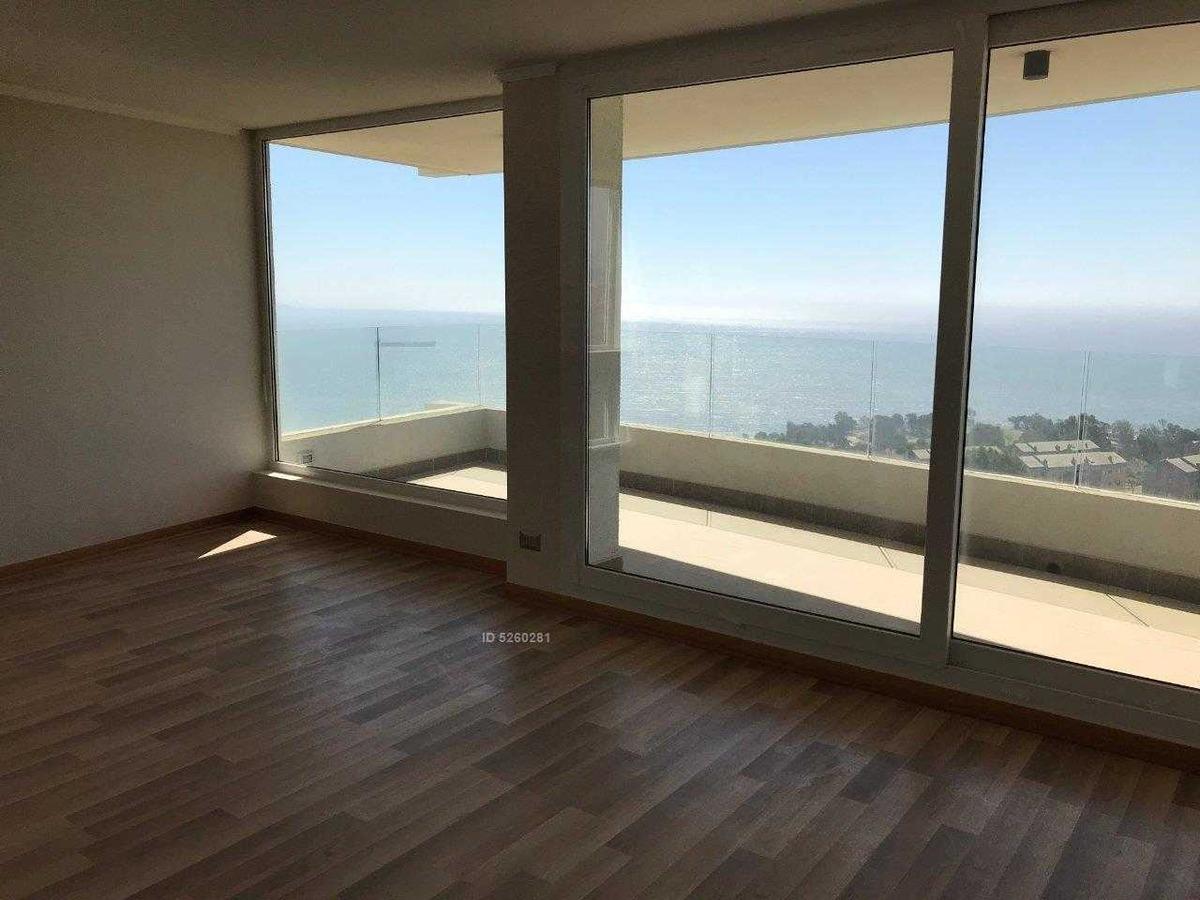 jardin del mar, nuevo, espectacular vista despejada, con sala de estar y 2 estacionamientos.