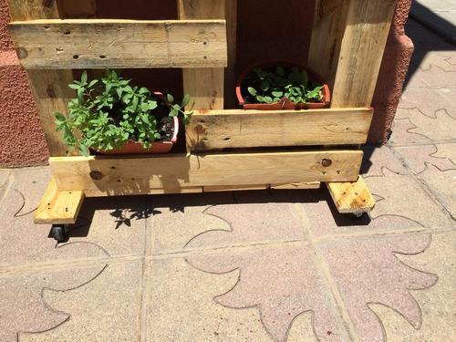 Jardineras Con Ruedas Great Las Macetas Son Ms Que Un Mero