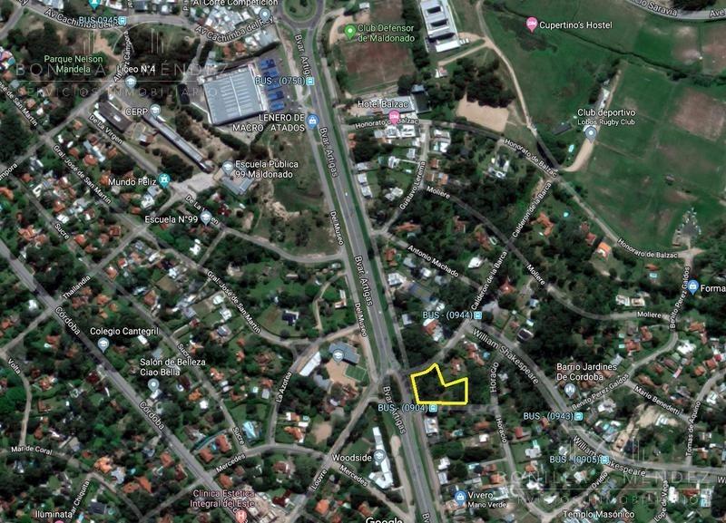 jardines de cordoba, casi 3000 m2 ,zona comercial, 35 metros de frente a bvard. artigas!