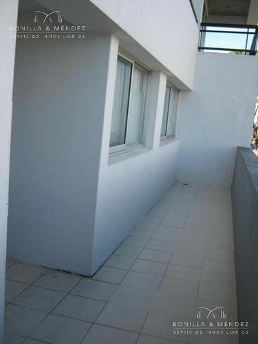 jardines del country, 2 dormitorios, 2 baños, garage